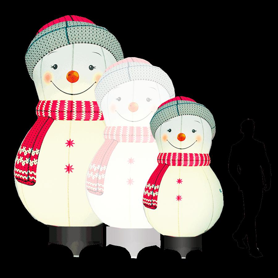 Снеговик в вязаной шапочке