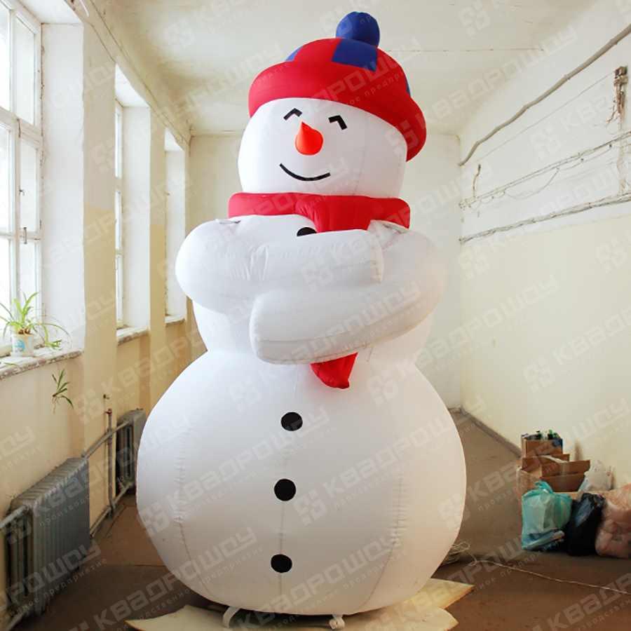 Надувная фигура Снеговик в шапке и шарфе