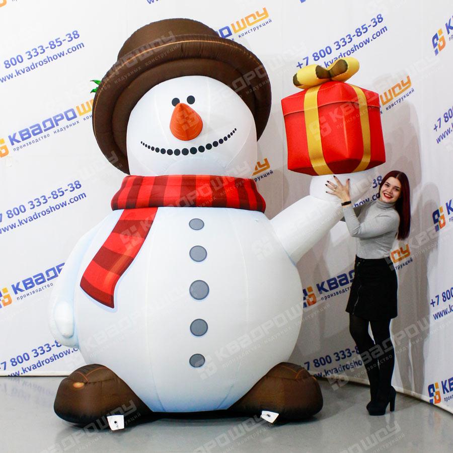 Надувная фигура Снеговик в цилиндре