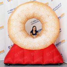 Фигура рекламная надувная Пончик на опоре