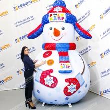 Надувная декорация Снеговик в ушанке