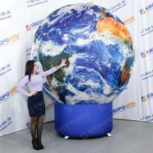 Рекламная надувная фигура в виде глобуса