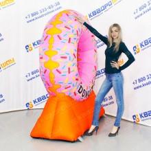 воздушная фигура указатель огромный пончик
