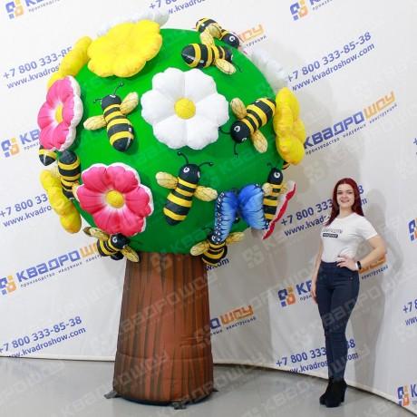 Надувное дерево с цветами и бабочками