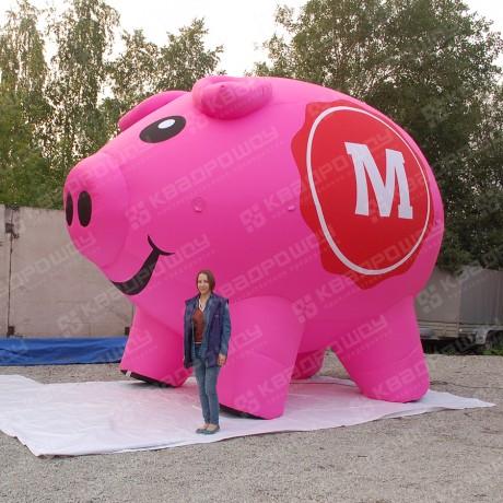 Надувная конструкция свиньи