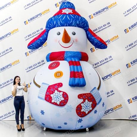 Новогоднее надувное украшение Снеговик