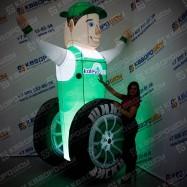 Надувной автомастер с подсветкой и колесом