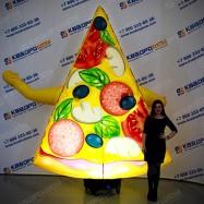 Фигура с машущей рукой Кусок пиццы