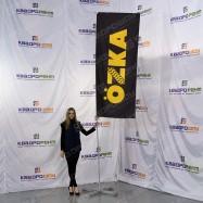 Флаг OZKA на мобильном флагштоке