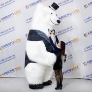 Ростовая фигура белый медведь мех
