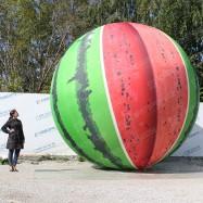 Надувная декорация большой арбуз для овощной выставки