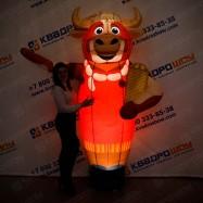 Надувная фигура Босс молокосос с шарами