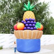 Огромная надувная фигура корзина с фруктами