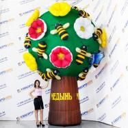 надувная рекламная фигура дерево с цветами и пчёлками