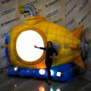 Объемная рекламная подводная елка с подсветкой