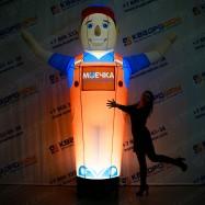 Надувная фигура автомастер с подсветкой