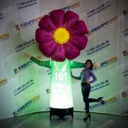 Надувная фигура цветок с машущей рукой