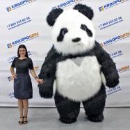 надувной ростовой белый медведь в майке