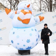 надувной снеговик с подсветкой