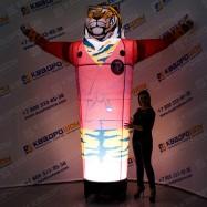 надувной тигр в кимоно надувная рекламная конструкция