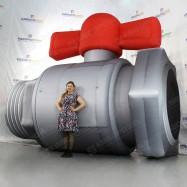 Пневмофигура огромный шаровой кран