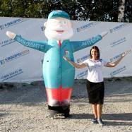 уличная рекламная кукла аптекарь зазывала для клиентов