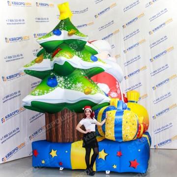 Надувная конструкция Дед Мороз с подарками