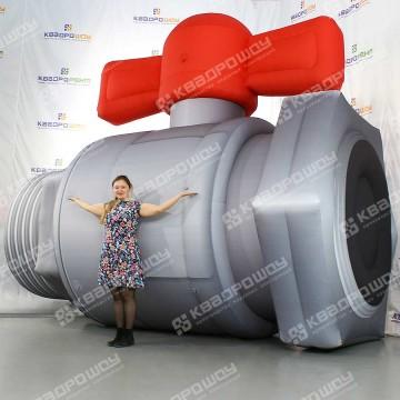 Надувная конструкция Кран для рекламы сантехники