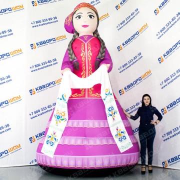 надувная фигура девушка в татарском платье