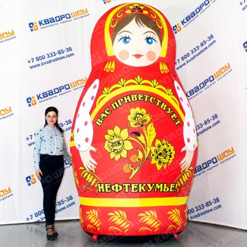 Надувная матрешка с русской народной росписью