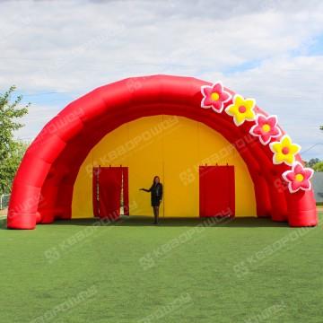 Надувная сцена для праздника с цветами