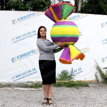 надувная рекламная конструкция конфетка джумби товара