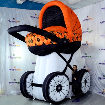 Рекламная фигура коляска