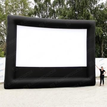 Надувной экран для летнего кинотеатра