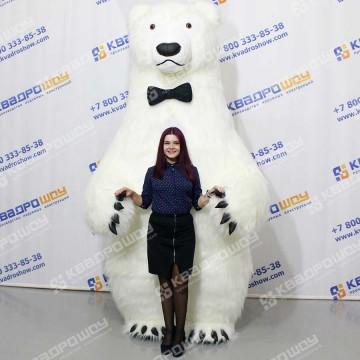 Меховой надувной костюм белый Медведь в бабочке