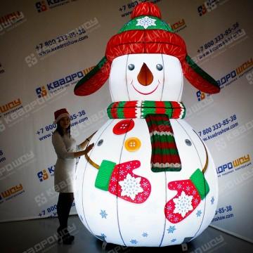 Новогоднее украшение Снеговичок в ушанке