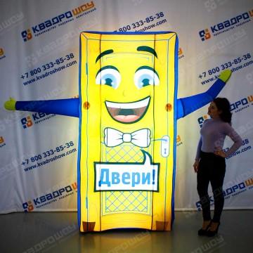 Гигантская дверь в Челябинске