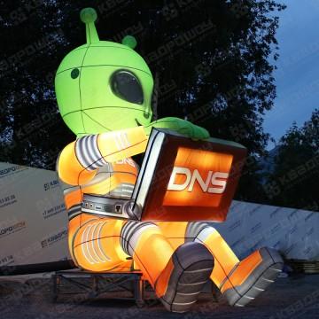 огромная надувная фигура инопланетянин ДНС с подсветкой