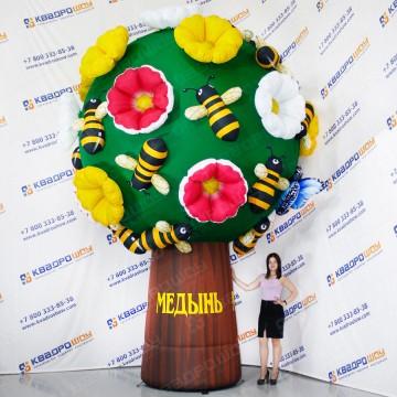 воздушное дерево с цветами и пчёлками