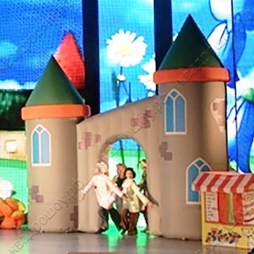 Пневмоконструкция замок для театральных представлений
