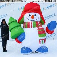 надувная новогодняя конструкция снеговик с ёлкой